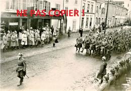 PHOTO ALLEMANDE - UNE REVUE DES TROUPES A FALKENBERG - FAULQUEMONT PRES DE SAINT AVOLD MOSELLE - GUERRE 1914 1918 - 1914-18