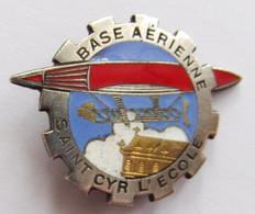 Insigne Militaire Aviation Armée De L'Air BASE BA 272 SAINT CYR - Forze Aeree