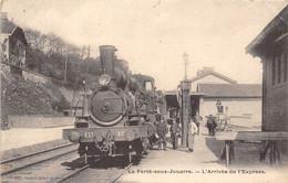 77-LA-FERTE-SOUS-JOUARRE- L'ARRIVEE DE L'EXPRESS - La Ferte Sous Jouarre