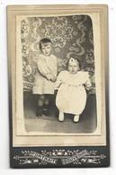 Photo Début 20° CDV Portrait Couple D'Enfants.... (Paul LABAT, St-Symphorien Gironde) - Personas Anónimos