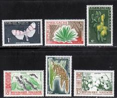 Madagascar 1960 Yvert 344 - 346 / 350 ** TB Bord De Feuille - Unused Stamps