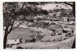 SANARY SUR MER --1954--La Plage De Port Issol  --voitures, Belle Roulotte............timbre...cachet - Sanary-sur-Mer