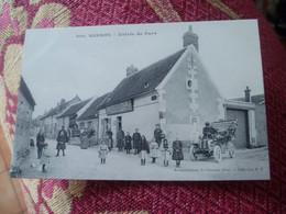 C P A ---60----  Village De SARRON---- Entrée Du Pays---Café--tabacs--Liqueurs ( BOUCHEZ-CASTELLAR ) . CARTE RARE . - Other Municipalities