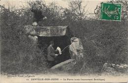 JANVILLE SUR JUINE Dolmen De La Pierre Levée.Monuent Druidique - Otros Municipios