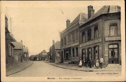 CPA Maretz Nord, Blick In Die Rue Georges Clemenceau, Passanten - Altri Comuni