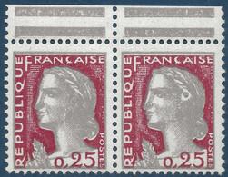 Marianne De Decaris N°1263** Paire Avec Variété à La Cocarde Tenant à Normal, Pas Si Courant Ainsi !! - 1960 Marianne De Decaris