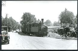 Photo - Tramways De Corrèze (T.C.) - Train Mixte Dans La Circulation Automobile Avec La 030 Piguet N°8 - Voir 2 Scans - Treinen