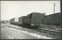 Photo Pérève ? Gare De Guignicourt En 1961 - Train En Partance Pour Evergnicourt - Voir 2 Scans - Treinen