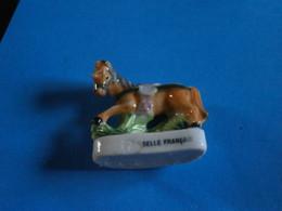 CHEVAUX DE PARADE - SELLE FRANCAIS - GRAND MODELE FEVE BRILLANTE - Animales