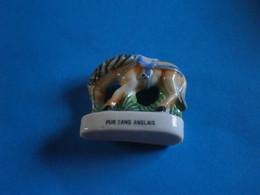 CHEVAUX DE PARADE - PUR SANG ANGLAIS - GRAND MODELE FEVE BRILLANTE - Animales