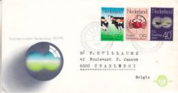 Pays Bas - Lettre De 1974 - Oblit ' S Gravenhaghe - Vaches - Crabes - Bateaux - Valeur 13,65 Euros - Briefe U. Dokumente