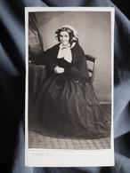 Photo CDV  Plubel à Epinal  Femme âgée  Coiffe à Rubans  Sec. Empire  CA 1865 - L367 - Ancianas (antes De 1900)