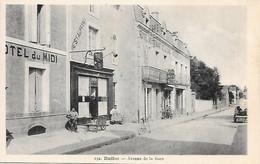 A/4       16     Ruffec      Avenue De La Gare & Hotel Du Midi - Ruffec