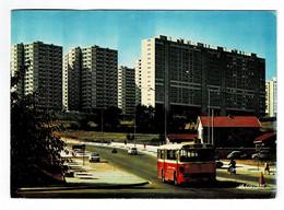 VENISSIEUX  69  La Cité Des Minguettes , Avec Bus . 1975 - Vénissieux