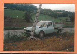 PHOTO ORIGINALE - ACCIDENT DE VOITURE PEUGEOT 504 BENNE - CRASH CAR - Auto's