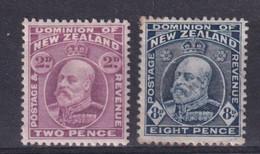 NEW ZEALAND - 1909 - YVERT N°137 + 142 * MH - COTE = 34.5 EUR. - - Unused Stamps
