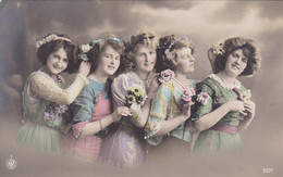 Portrait Of 5 Young Girls, 5 Jeunes Filles (pk77704) - Retratos