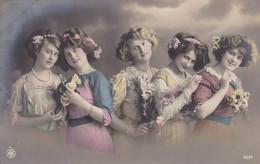 Portrait Of 5 Young Girls, 5 Jeunes Filles (pk77705) - Retratos