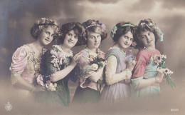 Portrait Of 5 Young Girls, 5 Jeunes Filles (pk77706) - Retratos