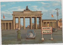Berlin  Brandenburger Tor ACHTUNG  Sie Verlassen Jetzt WEST_BERLIN Voiture VW Coccinelle - Charlottenburg