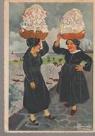 C.P. - EN PARCOURANT LA BRETAGNE - ILE DE SEIN - ILIENNES - GABY - 51 - DESSIN DE CHARLES HOMUALK - - Ile De Sein