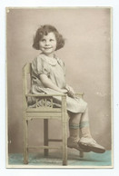 Photograph Young Girl Cardiff. Mrs Body On Reverse. Some Scratching. Guessing Around Late 1940s - Fotografia