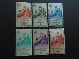 Ces Deux Belle Séries Des Timbres De Bienfaisance De 1961 Et 1966 N°. 78 à 83 - Curiosités: 1950-59 Neufs