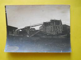 Photo T I V , En Gare De RENNES La TOUCHE, Collection Guittet, Grues Et Wagons - Eisenbahnen