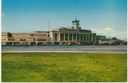 AIRPORT Ca. 1970 WASHINGTON, D.C. Airport Superb Unused Postcard - Aeródromos