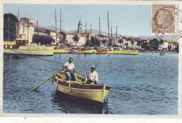 SANARY : T.RARE CLICHE DES QUAIS. GROS PLAN BARQUE.ET LA VILLE.1946.T.B.ETAT - Sanary-sur-Mer