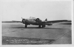 "LYON-Aviation - Port Aérien De Bron. Escale D'un Avion-taxi Anglais ""Airspeed Consul. TB état. - 1939-1945: 2nd War"