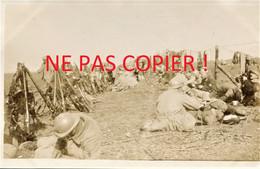 PHOTO FRANCAISE - POILUS A LA SOUPE A PROYART PRES DE MORCOURT - CHUIGNOLLES SOMME - GUERRE 1914 1918 - 1914-18