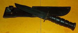 POIGNARD U.S CAMILLUS DE L'ARMEE AMERICAINE AVEC SON FOURREAU , PERIODE DE LA GUERRE DU VIETNAM , MARQUAGE SUR LE POI - Knives/Swords