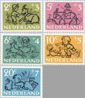 1952 Kind NVPH 596-600 Postfris/MNH/** - Unused Stamps