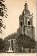 62. CPA. DOUVRIN -  L'église Et Le Monument élevé à La Mémoire Des Enfants Morts Pour La France - 1913 - Scan Verso - Andere Gemeenten