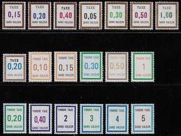 TIMBRES-TAXE FICTIFS EMISSION DE 1972 A 1945 N° FT22/FT40 NEUFS ** TRES RARES TTB COTE 121 € - Fictifs