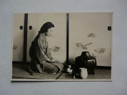 PHOTO ANCIENNE - JAPON : Scène Animée - Jeune Femme - Cérémonie Du Thé - Persone Anonimi