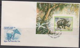 VIETNAM - 1988 - HOOFED ANIMALS / RHINOCERUS   SOUVENIR SHEET ON ILLUSTRATED  FIRST DAY COVER - Vietnam