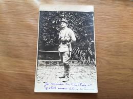 Carte Photo D'un Soldat Français Descendant Des Tranchées Avec Lunettes Anti Gaz 1915  1914-18 - 1914-18