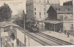 D92 - LA GARENNE COLOMBES - LES VALLEES - LA GARE - Train - Quelques Personnes - La Garenne Colombes