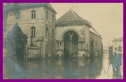 CPA PHOTO RARE BESANCON INONDATIONS 1910 HÔTEL DES MESSAGERIES ( PRILLARD ) RUE JEAN PETIT - Animée - Besancon