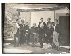 Fotografia Antiga Com Grupo De Homens E Cão De água Português.  Old Photo PORTUGAL 23.8cm X 18cm - Anciennes (Av. 1900)