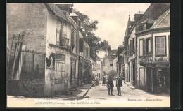 CPA Auzances, Rue De L` Hôtel-de-Ville - Auzances