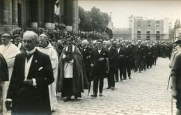 Versailles  Carte Photo De Procession Ou Autre Sans Doute 1927 - Versailles