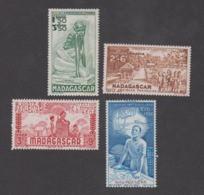 Colonies Françaises -Timbres Neufs ** Madagascar - PA N°41 à 44 - Neufs