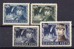 SLOVAKIA 1940 ,MH, - Unused Stamps
