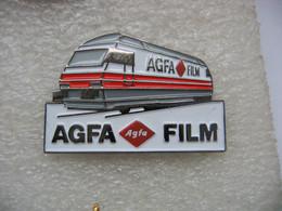 Pin's Autorail, Locomotive Sur Rail Pour Pub AGFA Film - Photography