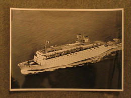 FRED OLSEN BOLERO B+W PHOTO - Passagiersschepen