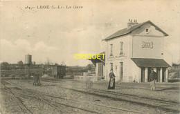 44 Legé, La Gare, N° 1, Cheminot Et Femme En Avant, Affranchie 1905 - Legé