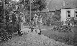 Photo De Jeunes Gens Jouant Au Croquet En  1908 - Places